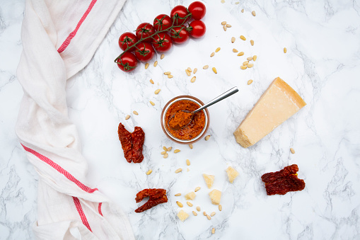 Pine Nut「Ingredients of tomato pesto」:スマホ壁紙(8)