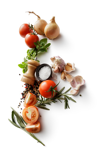 Garlic Bulb「Ingredients: Tomatoes, Onions, Garlic, Oregano, Rosemary, Salt and Pepper Isolated on White Background」:スマホ壁紙(10)