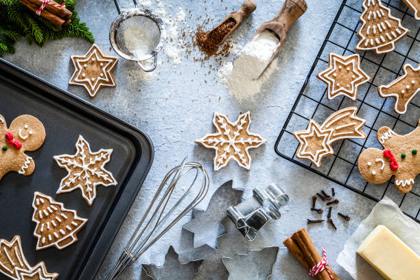 Ingredients and utensils for Christmas cookies preparation:スマホ壁紙(壁紙.com)