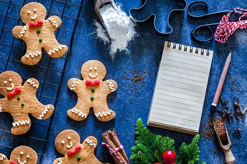 Gingerbread Cookie「Ingredients and utensils for Christmas cookies preparation」:スマホ壁紙(13)