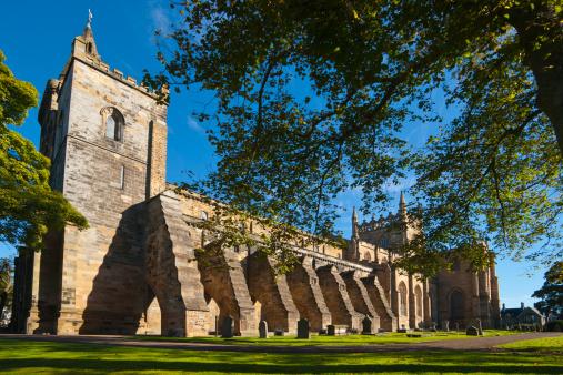 Abbey - Monastery「Dunfermline Abbey, Fife,  Scotland」:スマホ壁紙(3)