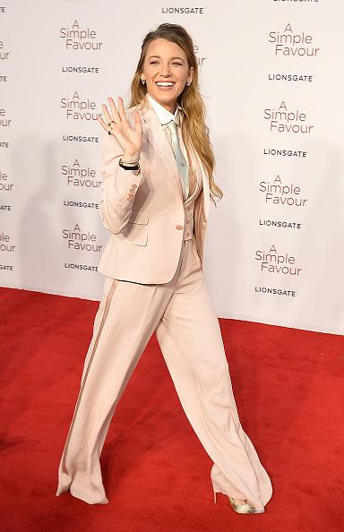 Pink Jacket「'A Simple Favour' UK Premiere - Red Carpet Arrivals」:写真・画像(0)[壁紙.com]