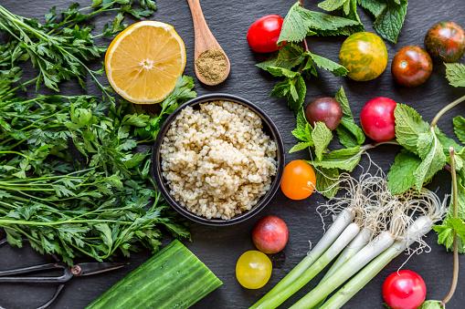 Bulgur Wheat「Bowl of Bulgur and ingredients for preparing Tabbouleh」:スマホ壁紙(7)