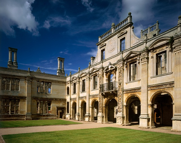 Stuart - Florida「North side of the inner court of Kirby Hall, Northamptonshire, c2000s(?)」:写真・画像(7)[壁紙.com]