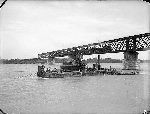 Imagno「NordWestBahn Bridge Dredger」:写真・画像(4)[壁紙.com]