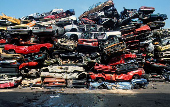 Recycling「Car wrecks」:写真・画像(1)[壁紙.com]