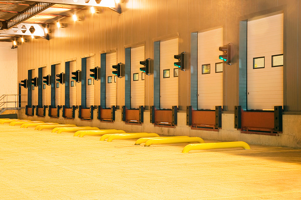 Bay of Water「Loading bays, Daventry, Northamptonshire, UK」:写真・画像(9)[壁紙.com]