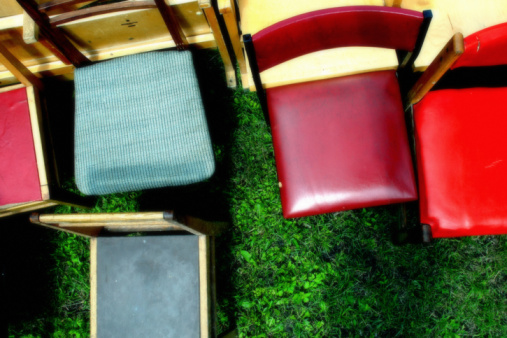 Contrasts「Colorful chairs, elevated view」:スマホ壁紙(18)