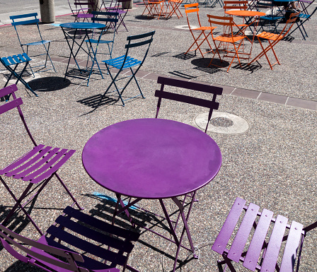 California「Colorful chairs and tables」:スマホ壁紙(3)