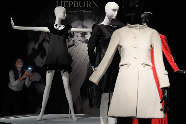 ドレス「Christies Auction House Holds Preview Of Audrey Hepburn's Jewellery Sale」:写真・画像(19)[壁紙.com]