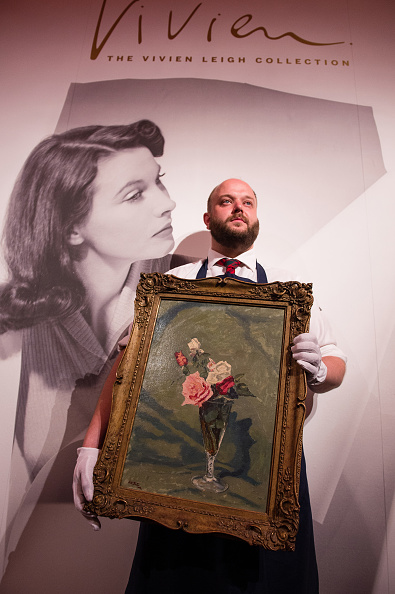 花瓶「Sotheby's Vivien Leigh Press Call」:写真・画像(16)[壁紙.com]