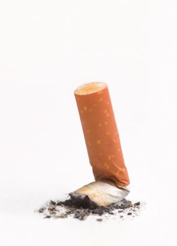 Unhygienic「Stubbed out cigarette」:スマホ壁紙(18)