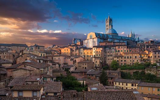 Duomo Di Siena「Siena. Cathedral at sunset.」:スマホ壁紙(9)