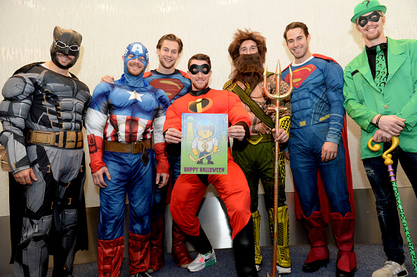 John Moore「Boston Bruins Celebrate Halloween In Costume At Boston Children's Hospital」:写真・画像(11)[壁紙.com]