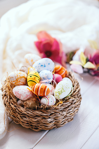 Easter Basket「Nicely decorated Easter Basket with Flowers」:スマホ壁紙(16)
