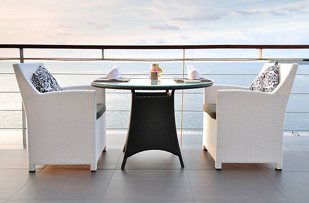 Sea View Dinning Table for two at Sunset:スマホ壁紙(壁紙.com)