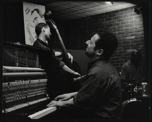 Bass Instrument「The Jonathan Gee Trio in concert at The Fairway, Welwyn Garden City, Hertfordshire, 7 February 1999. Artist: Denis Williams」:写真・画像(9)[壁紙.com]