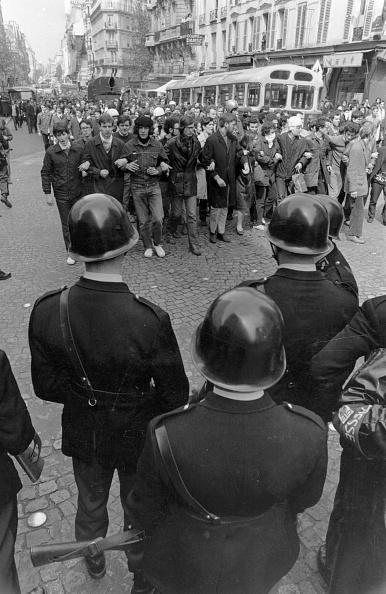 Reg Lancaster「Paris Confrontation」:写真・画像(11)[壁紙.com]