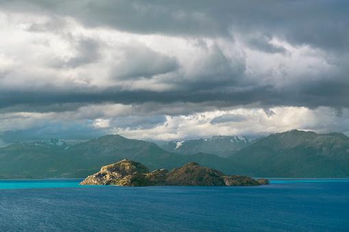 cloud「Island at Lago Gral Carrera, General Carrera Province, Chile」:スマホ壁紙(17)