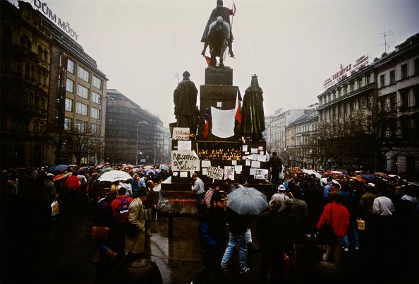 1989「The Velvet Revolution」:写真・画像(5)[壁紙.com]
