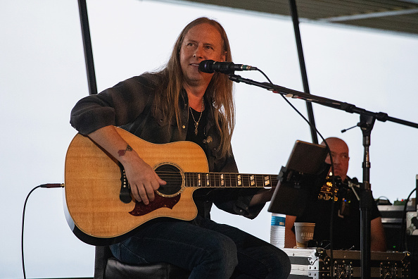 Lithium「Alice In Chains Performs For SiriusXM's Lithium Channel At The Space Needle In Seattle」:写真・画像(15)[壁紙.com]