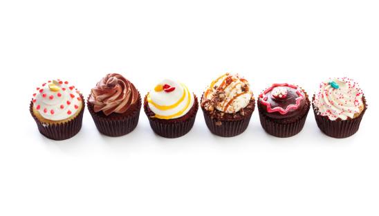 カップケーキ「グルメなカップケーキ、デザートで出会った列にホワイト Backround」:スマホ壁紙(3)