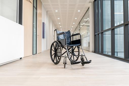 Wheelchair「Empty wheelchair at the hospital's corridor」:スマホ壁紙(12)