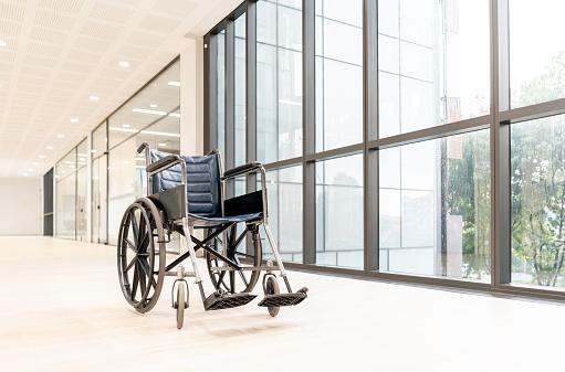 A Helping Hand「Empty wheelchair at hospital's hallway」:スマホ壁紙(13)