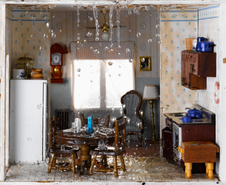 Accidents and Disasters「Flooded house and ceiling leaking water into kitchen」:スマホ壁紙(9)