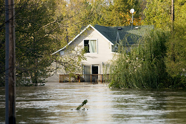 Flooded House, Following a Severe Rainstorm:スマホ壁紙(壁紙.com)