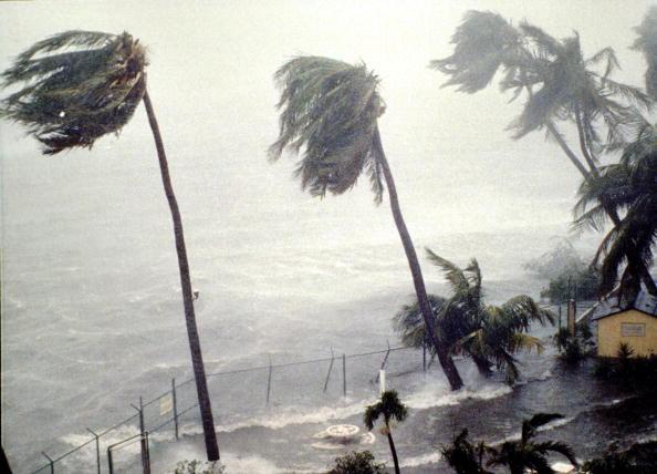 Hurricane - Storm「Hurricane Hugo Slams Into Puerto Rico」:写真・画像(2)[壁紙.com]