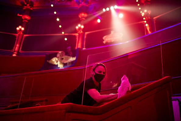 Kiran Ridley「Mustn't The Show Go On? Paris's Historic Cirque d'Hiver Adapts Amid Covid-19 Surge」:写真・画像(6)[壁紙.com]