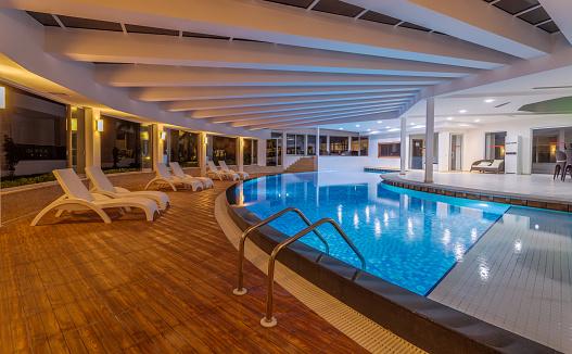 Health Spa「Luxury resort indoor swimming pool」:スマホ壁紙(17)