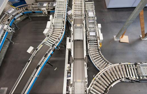 Industry「Swiss postal service mail distribution center in Zurich-Mulligen」:スマホ壁紙(2)