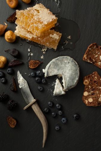 Fig「Blue cheese, honeycomb, dried figs, berries, nuts」:スマホ壁紙(18)
