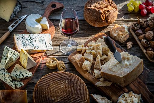chestnut「Blue cheese manchego and parmigliano reggiano」:スマホ壁紙(10)