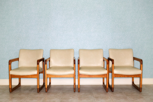 In A Row「Four chairs in a waiting room」:スマホ壁紙(1)