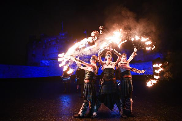 Hogmanay「Torchlight Procession Through Edinburgh」:写真・画像(17)[壁紙.com]