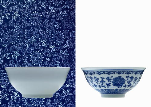 Floral Pattern「One white and one blue porcelain bowl (opposite backgrounds)」:スマホ壁紙(1)