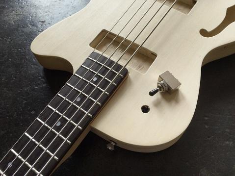 Bass Instrument「Building an electric bass」:スマホ壁紙(10)