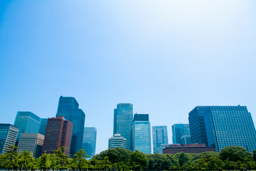 Low Angle View「Building and blue sky of Marunouchi」:スマホ壁紙(14)