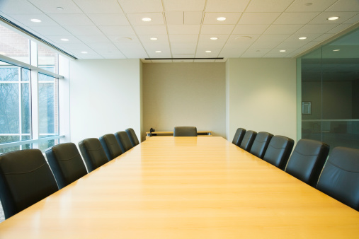 In A Row「Conference table in boardroom」:スマホ壁紙(2)