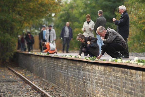 70th Anniversary「Berlin Marks 70th Anniversary Of Jewish Deportations」:写真・画像(10)[壁紙.com]