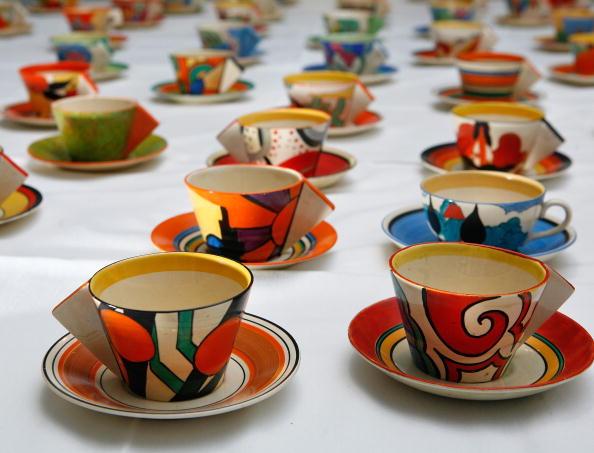 Crockery「Hundred Clarice Cliff Tea Cups Go Up For Auction」:写真・画像(8)[壁紙.com]