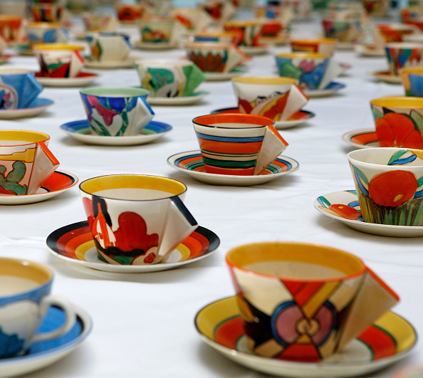 Tea Cup「Hundred Clarice Cliff Tea Cups Go Up For Auction」:写真・画像(4)[壁紙.com]