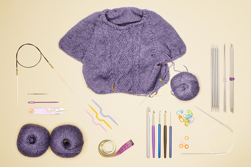 "Wool「Collection of objects related to ""needlework"", placed on a neutral background」:スマホ壁紙(7)"