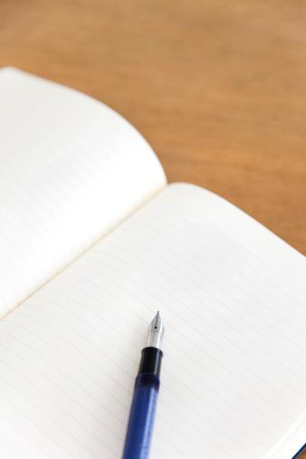 Fountain Pen「Open blank journal with fountain pen」:スマホ壁紙(13)