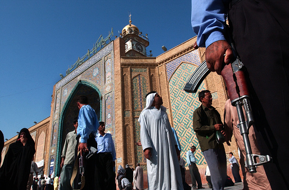 Iraqi Governing council「Iraqi Security Forces and Police patrol Holy Shrine」:写真・画像(18)[壁紙.com]