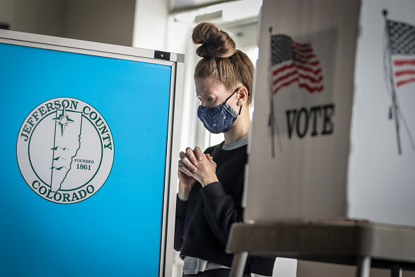 Pivot「Across The U.S. Voters Flock To The Polls On Election Day」:写真・画像(13)[壁紙.com]