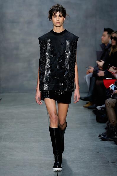 Cap Sleeve「Vera Wang Collection - Runway - Mercedes-Benz Fashion Week Fall 2015」:写真・画像(6)[壁紙.com]